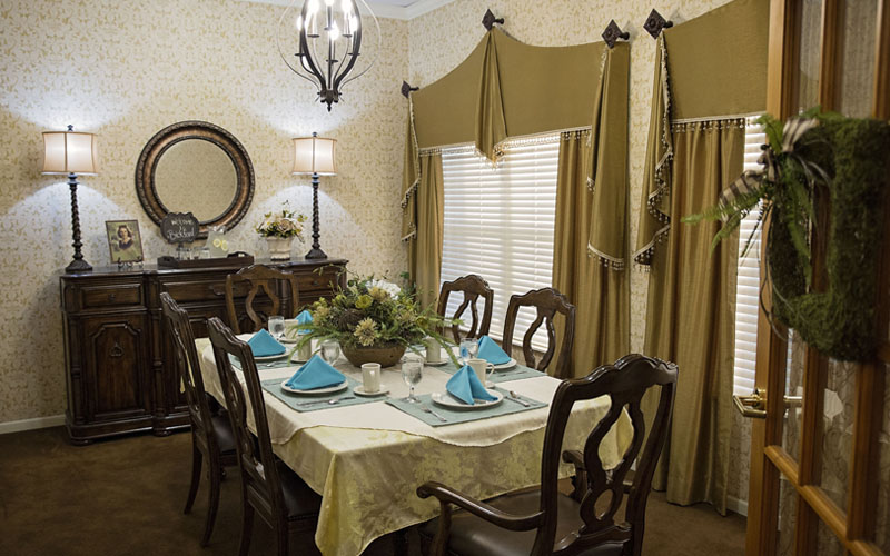 ... Grand Island NE Living Room With Fireplace Bread Basket Dining Room  Bread Basket Bistro Private Dining Room ...
