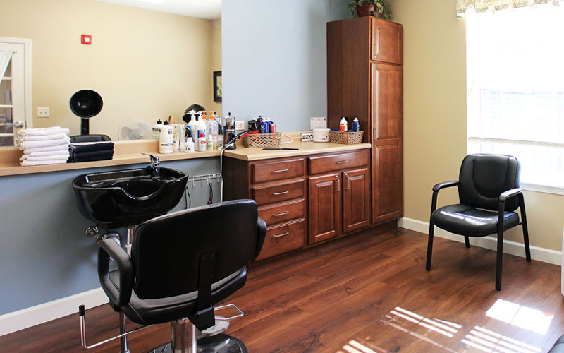 Buzzcuts and Beehives Salon